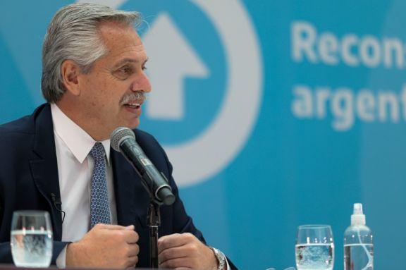 Alberto Fernández en el Museo del Bicentenario durante la presentación del Compre Argentino.  Foto: Télam