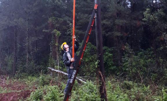 Colonias de Montecarlo continúan sin energía eléctrica tras la tormenta