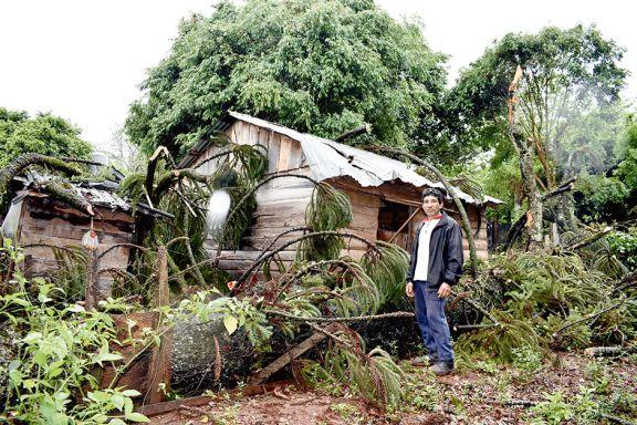 Una familia  al filo  de la tragedia por  el temporal