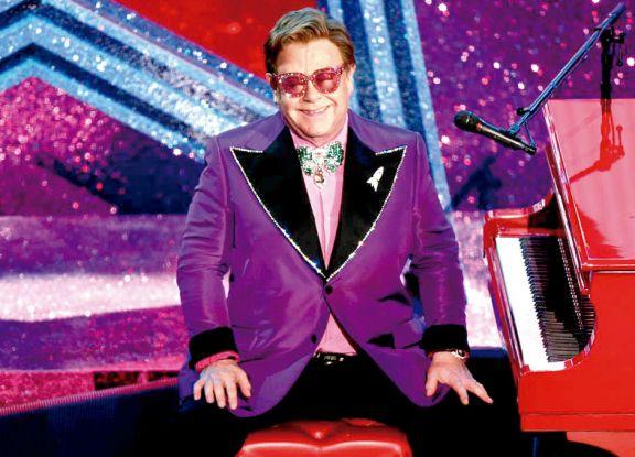 Elton John se tiene que operar la cadera