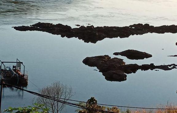 La subida del nivel del río Paraná trajo alivio a la localidad de Puerto Esperanza