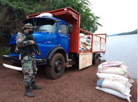 Decomisan cerca de ocho toneladas de granos de soja en El Soberbio