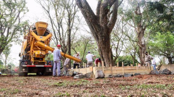 Construyen la primera plaza saludable destinada a adultos mayores en Eldorado