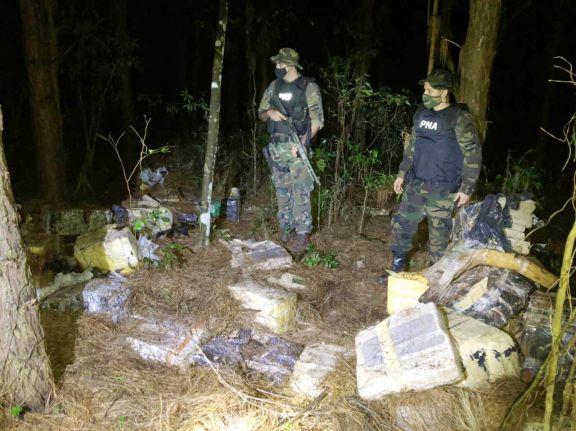 Prefectura decomisó casi cuatro toneladas de marihuana en Puerto Libertad