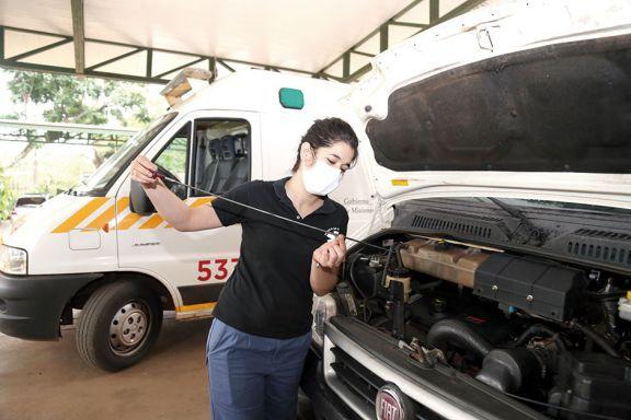 La primera chofer de ambulancia en  la red de traslados