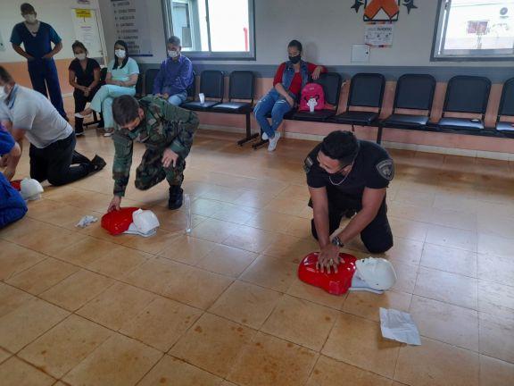 Se realizó un curso de RCP básico en el Hospital Nivel 1 de San Antonio