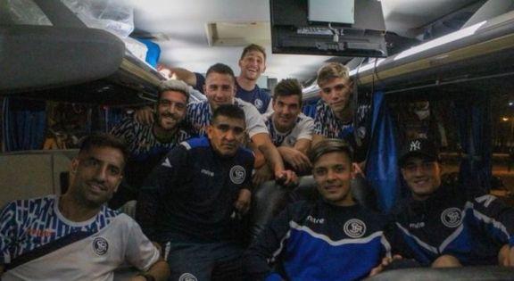 Atacaron en San Juan a micro que trasladaba al plantel de Independiente Rivadavia
