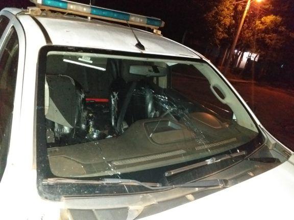 A la comisaría por provocar desorden y dañar un móvil policial