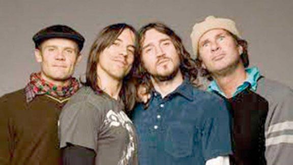 Los Chili Peppers harán gira en 2022