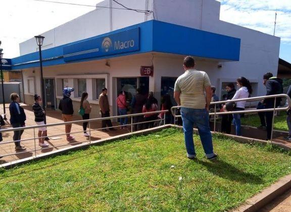 San Pedro: piden de forma urgente sanitarios químicos en inmediaciones a entidad bancaria