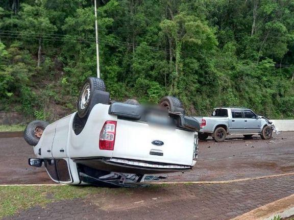 Con una camioneta robada y repleta de cigarrillos, contrabandista casi provoca una tragedia en Aristóbulo
