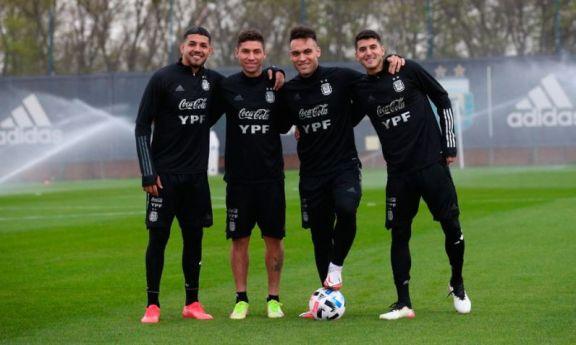 Argentina regresó, tuvo una práctica liviana y espera por algunos nombres