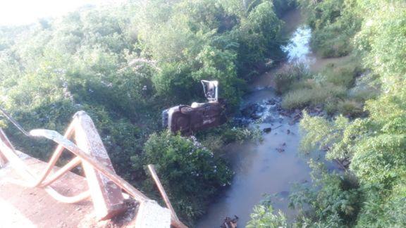 Efectivo del SPP murió después de despistar y caer de un puente