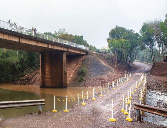 El puente provisorio sobre el arroyo Pindaytí reabriría hoy