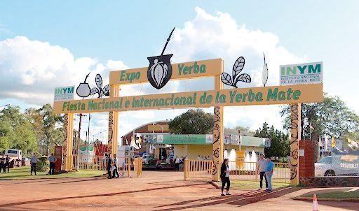 Abel Pintos y  Los Totora, en la Fiesta de la Yerba