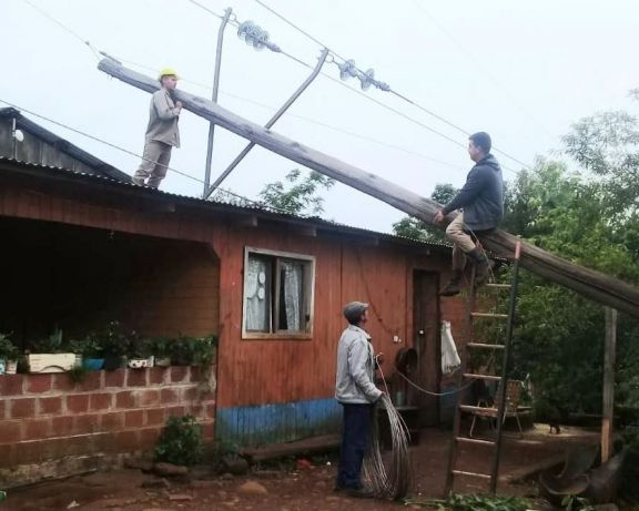 Tras el paso del temporal, continúan los trabajos para normalizar el servicio de energía eléctrica