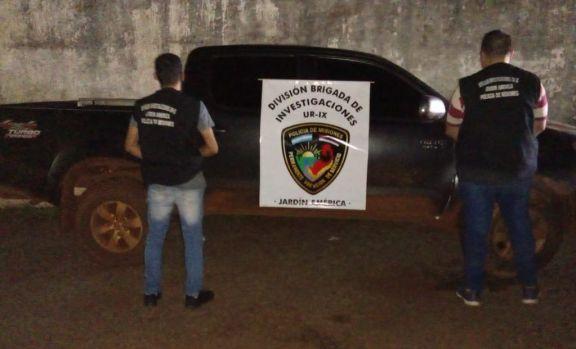 Secuestraron en Jardín América una camioneta robada en Buenos Aires