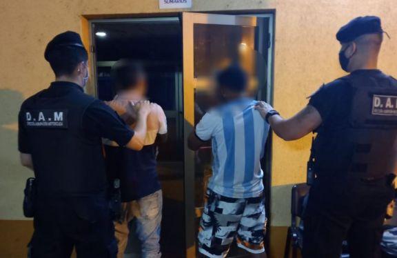 Dos hombres fueron detenidos por robar las ventanas de una vivienda en Posadas