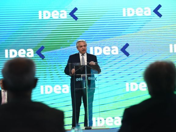 """Alberto Fernández: """"No debemos ver al trabajo como un costo sino como una inversión"""""""