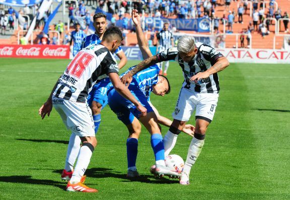 Godoy Cruz y Central Córdoba no se sacaron diferencias en Mendoza