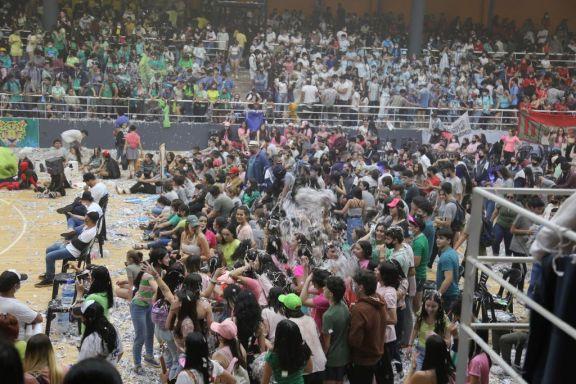 """El evento """"Por los jóvenes todo"""" convocó a 25 escuelas de Posadas"""