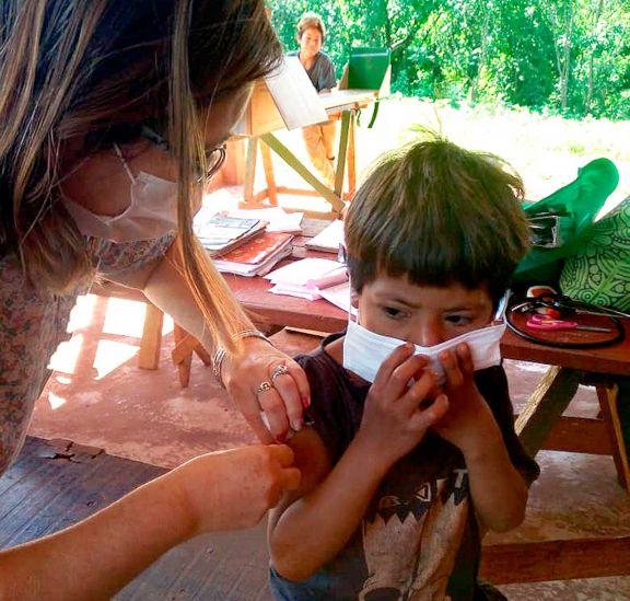 Vacunación anticovid en niños llegó a las aldeas mbya