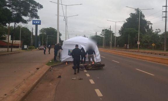 Un motociclista falleció tras perder el control y caer sobre la cinta asfáltica en Posadas