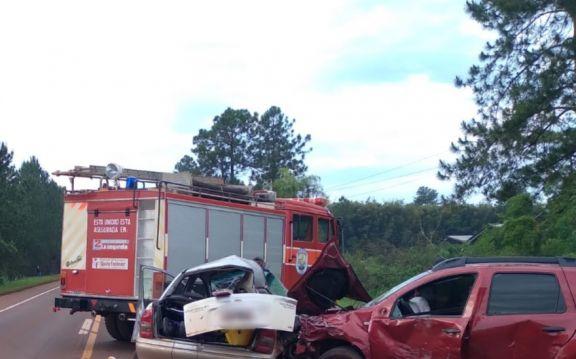 Un muerto y un herido grave a causa de una colisión frontal sobre ruta 12