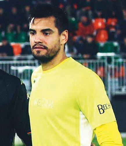 Serie A: Venezia, con el debut del misionero Chiquito Romero, derrotó 1 a 0 a Fiorentina