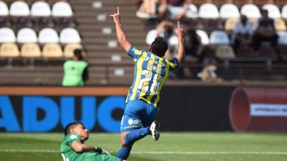 Platense y Central empataron 1 a 1 en Vicente López