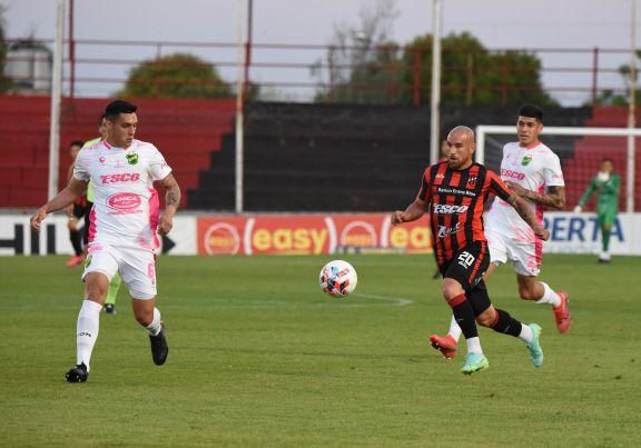 Seis goles y entrenadores expulsados en el vibrante empate entre Patronato y Defensa y Justicia