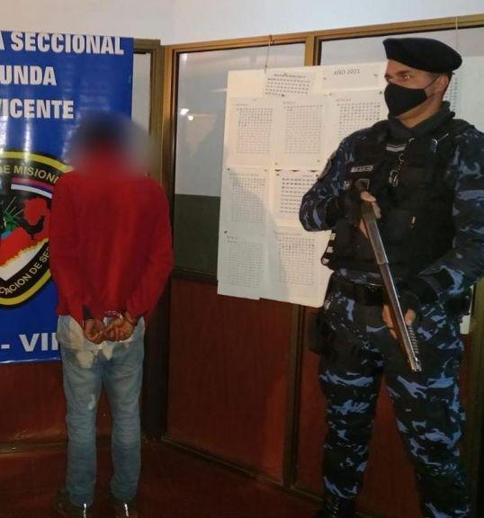 Detuvieron a un joven que robó dinero y objetos del interior de un auto en San Vicente