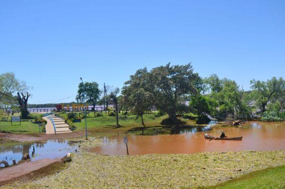 El río Uruguay comenzó a bajar lentamente y llevó tranquilidad a los vecinos de Santo Tomé