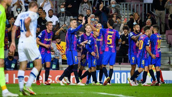 Barcelona, con el ingreso de Agüero, ganó su primer partido en el grupo E de la Liga de Campeones