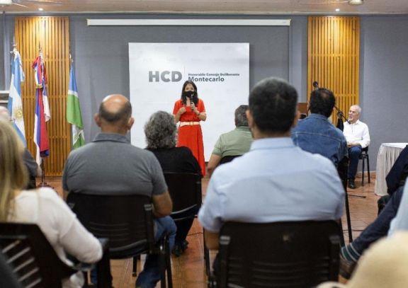 Se inauguró una galería fotográfica de presidentes del Concejo Deliberante de Montecarlo