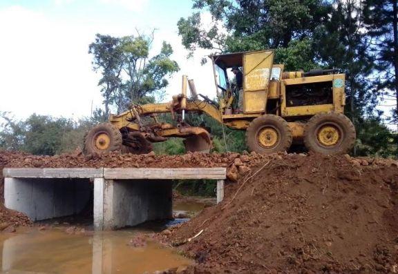 La espera llegó a su fin y los niños de colonia Alegría ya tienen puente para ir a la escuela