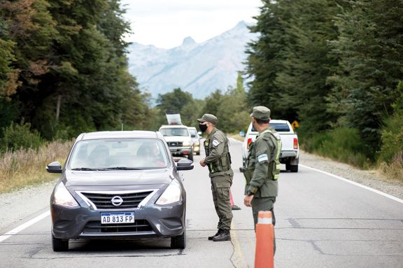 El gobierno ratificó el envío  de más gendarmes a Río Negro