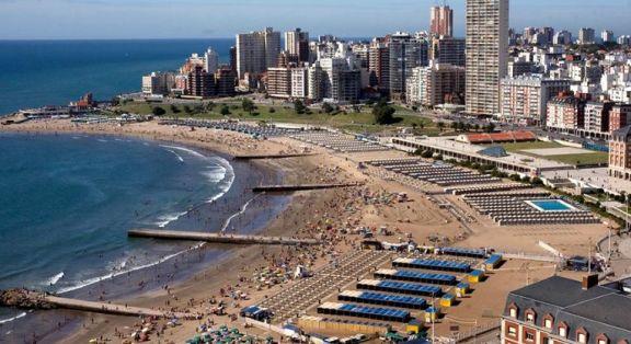 Alquilar una carpa en Mar del Plata costará hasta 135 mil pesos en temporada de verano