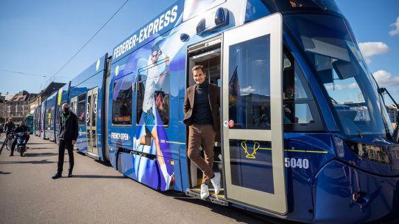 Federer inauguró un tranvía con su nombre