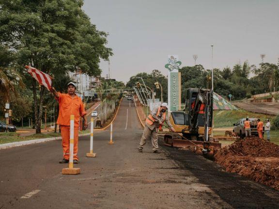 Herrera Ahuad evaluó el avance de obras viales y del Centro Modular Sanitario de Iguazú