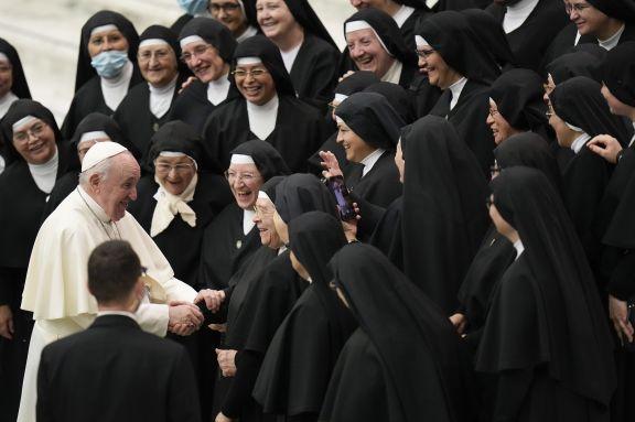 """El Papa pide poner fin a la devolución de migrantes a países no seguros y a campos """"inhumanos"""""""