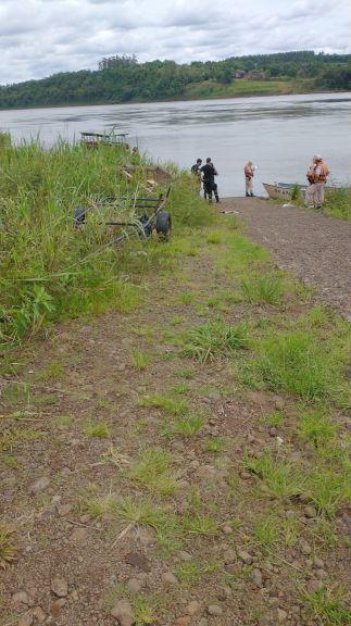 Apareció el cuerpo del colombiano que había naufragado con una canoa cuando llevaba mercaderías hacia Paraguay