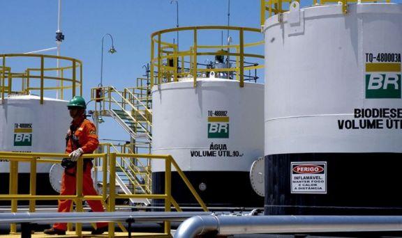 Crisis en Brasil: la nafta aumentó el 73,4% en el 2021 y Bolsonaro habla de vender Petrobras
