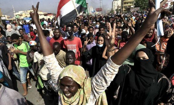 Los militares dieron un golpe de Estado en Sudán y arrestan al primer ministro