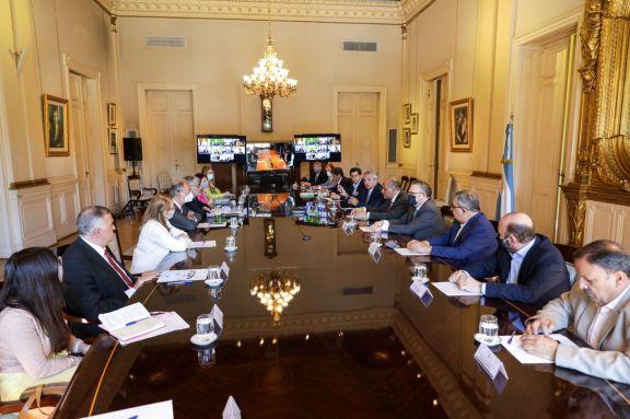 Gobernadores firmaron acuerdo con Nación para garantizar congelamiento de precios