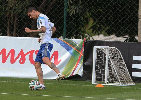 Scaloni diseña en su cabeza el equipo con Di María y Acuña para recibir a Perú