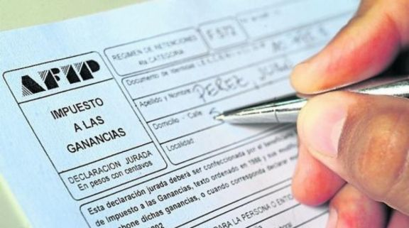 Gobierno oficializó suba a $175.000 del piso de Ganancias y sumó inversiones en pesos a la exención