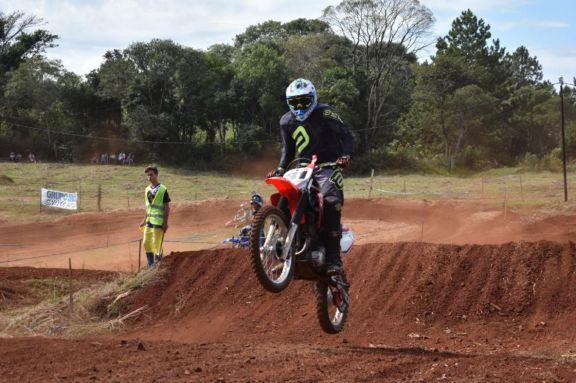 En el circuito de El Brete se corre la primera fecha del Misionero de Motocross