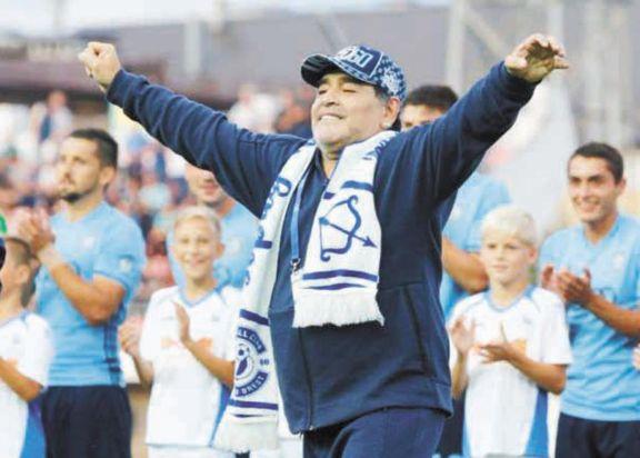 Maradona aislado por haber tenido contacto con un caso positivo de Covid-19