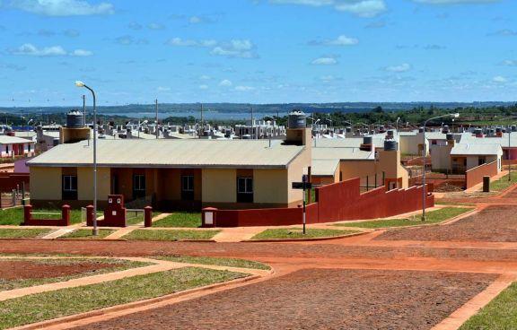 Casas de Iprodha en Itaembé Guazú